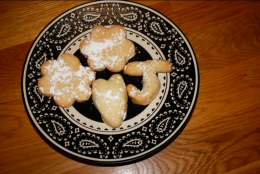 Guest Post: Chow and Chatter – Maple Shortbread Cookies